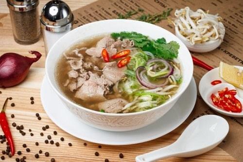 wietnamski przepis na zupę pho bo
