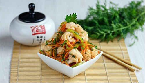 Koreański marynowany kalafior