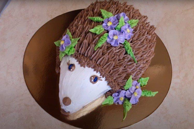 DIY tort jeżowy dla dzieci - przepis krok po kroku ze zdjęciem