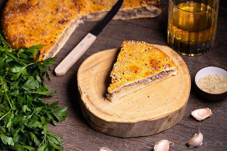 Ciasto mięsne z ciasta kruchego