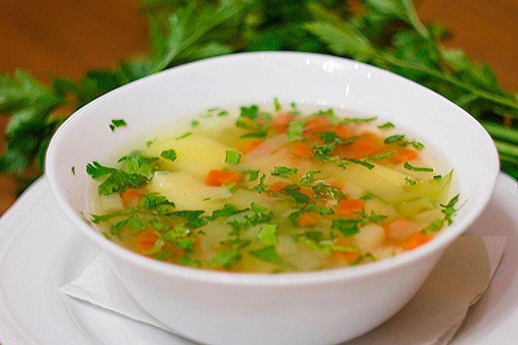 Zupa jarzynowa z ryżem - przepisy kulinarne