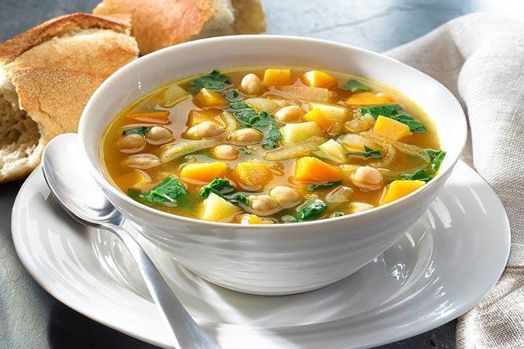 Zupa jarzynowa z dressingiem jajecznym - przepisy kulinarne