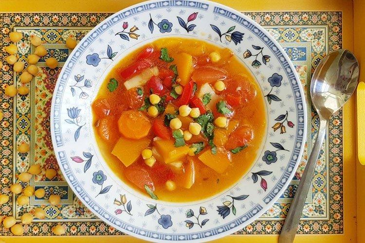 Zupa jarzynowa z selera - przepisy kulinarne