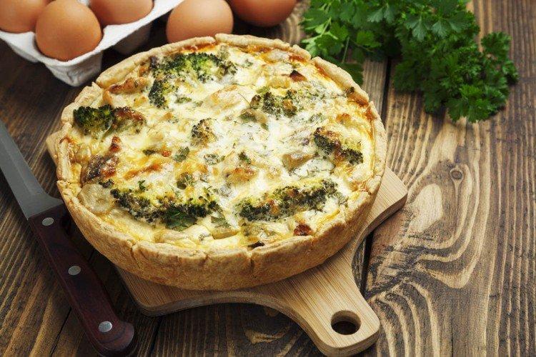 Ciasto z kurczakiem i brokułami - przepisy kulinarne