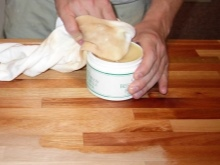 Rodzaje wosków do drewna - jak wybrać